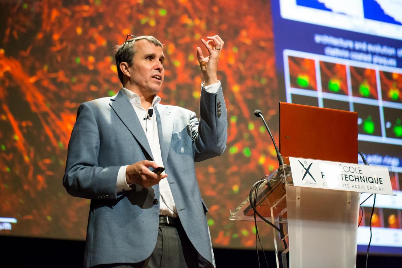 Эрик Бетциг (54 года) Нобелевская премия по химии 2014
